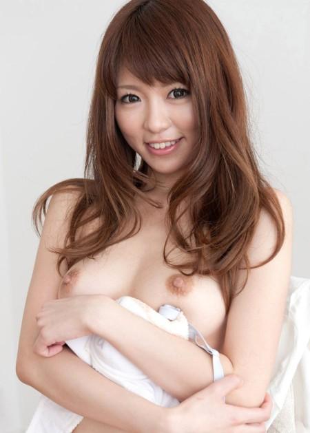 綺麗でエロい美乳のオッパイ (9)
