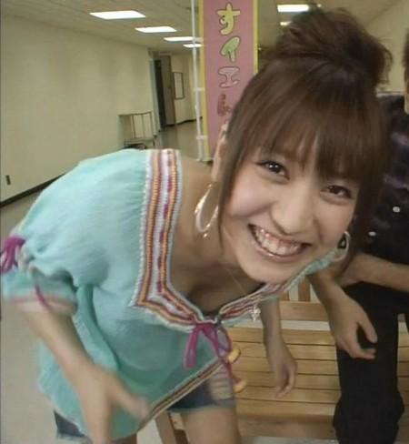 大島麻衣のエロい巨乳 (3)