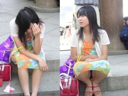街で見つけたパンチラ女性たち (15)