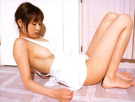 全裸にエプロンだけ、裸エプロンの娘たち (15)