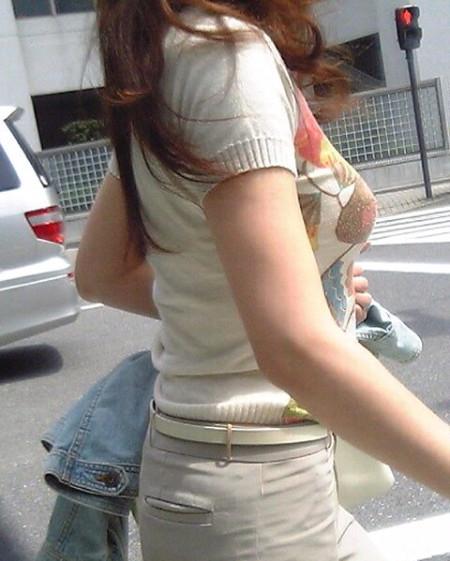 街で見つけた、着衣巨乳の素人女性たち (17)
