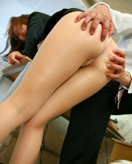 プリプリお尻が、素敵でエロい女性たち (2)