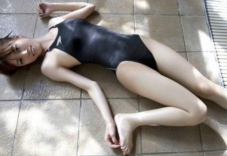 競泳水着やスクール水着ってエロい (19)