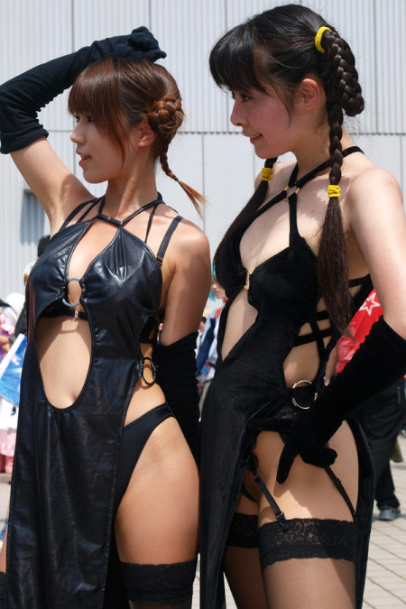 過激な衣装がエロ過ぎる、コスプレ女性たち (20)