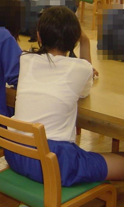 JKたちのエロくて清純な、透けブラ (15)