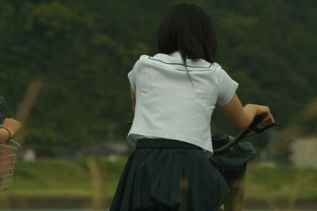 女子校生たちの、エロい透けブラ (2)