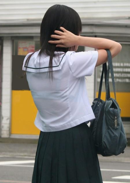 女子校生たちの、エロい透けブラ (12)