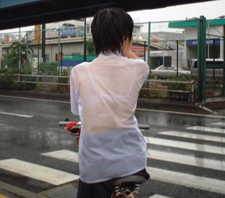 女子校生たちの、エロい透けブラ (14)