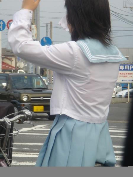 女子校生たちの、エロい透けブラ (19)