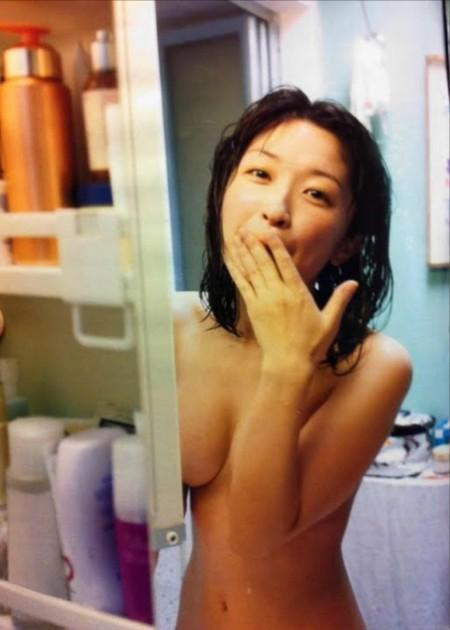 いろいろ見えそうでエロい、小野真弓 (5)