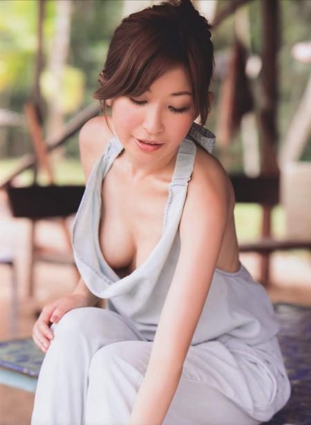 いろいろ見えそうでエロい、小野真弓 (18)