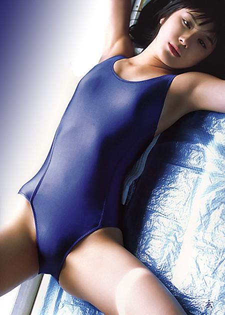 なんだかエロい、スクール水着の女性たち (9)