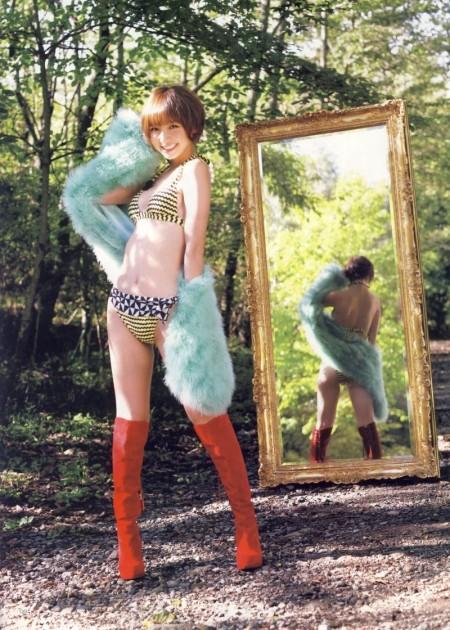 スレンダーで美乳の元AKB48、篠田麻里子 (4)