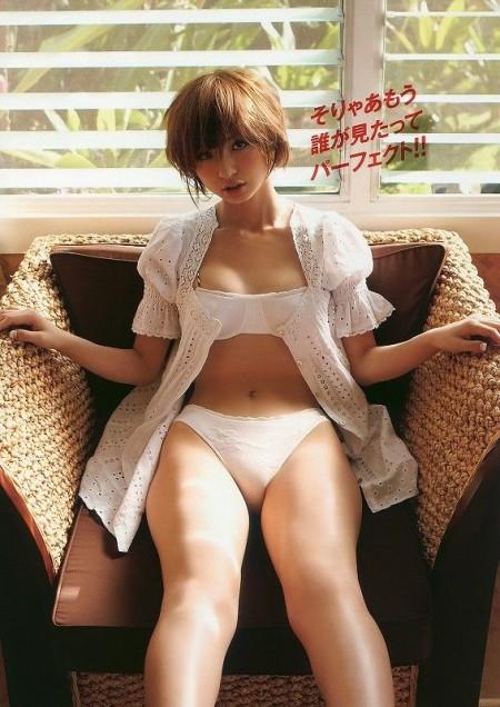スレンダーで美乳の元AKB48、篠田麻里子 (13)
