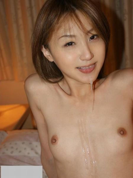 ちっちゃくて可愛いオッパイと乳首 (6)