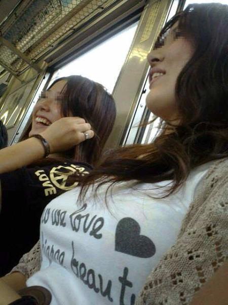街でガン見しちゃった、着衣巨乳の娘たち (2)