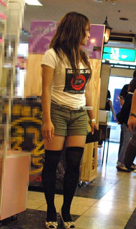 街でガン見しちゃった、着衣巨乳の娘たち (12)