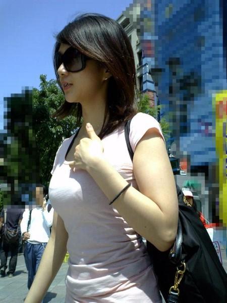 街でガン見しちゃった、着衣巨乳の娘たち (13)