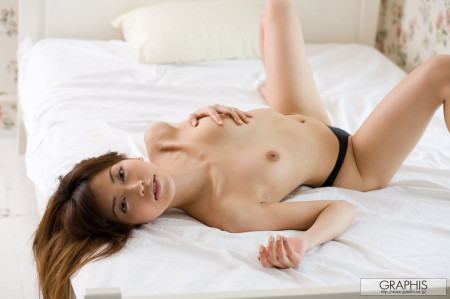 このままベッドでセックスしたくなる、横山美雪