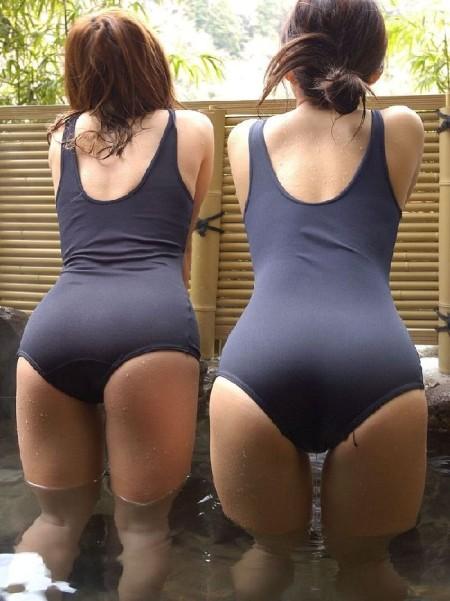 スクール水着や競泳水着って肌に張り付いてエロい (14)