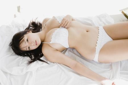 童顔で可愛いのにGカップ巨乳の、篠崎愛 (17)