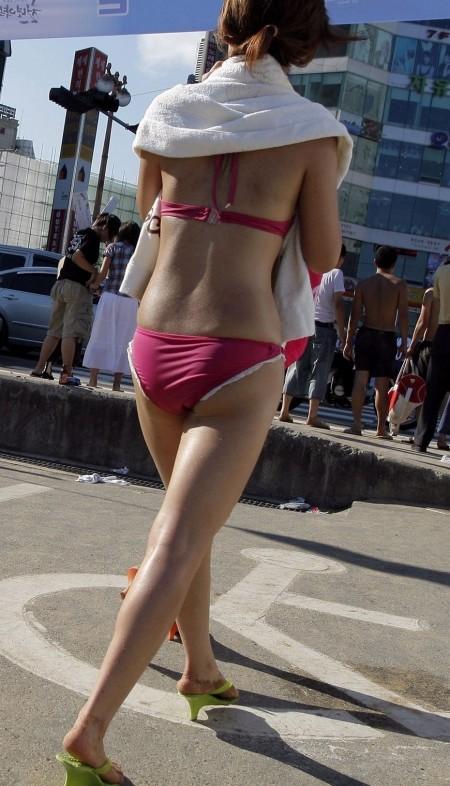 ビキニを着た素人女性 (3)