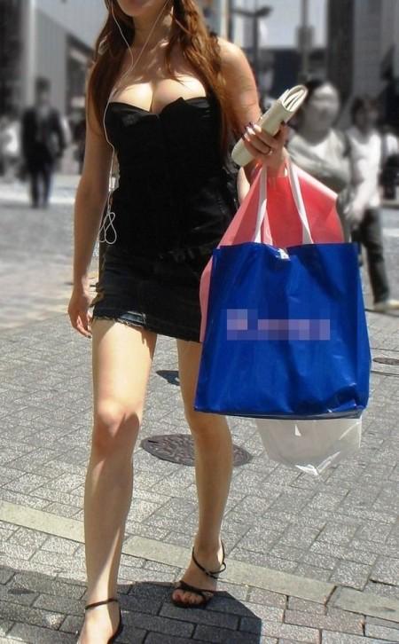 着衣巨乳の素人女性 (3)