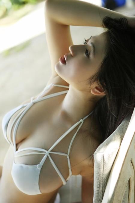 ビキニ水着のグラビアアイドル (5)