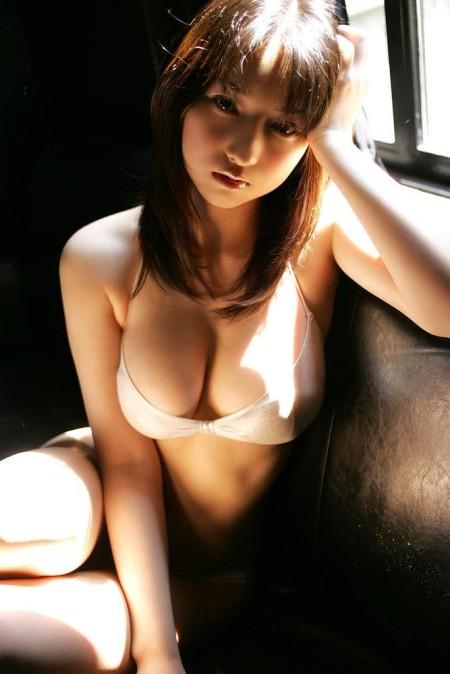 ビキニ水着のグラビアアイドル (13)
