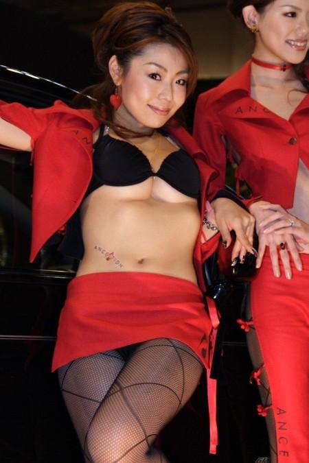 セクシー衣装のキャンギャルたち (6)
