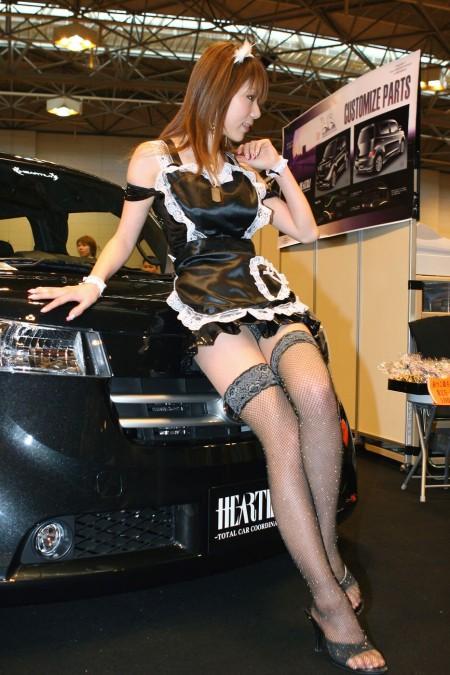 セクシー衣装のキャンギャルたち (10)