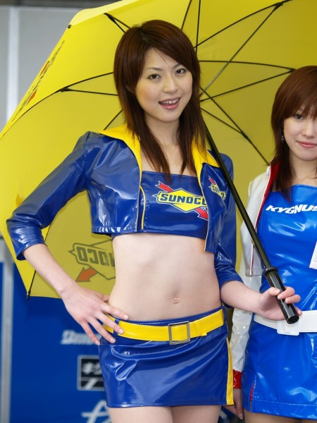 セクシー衣装のキャンギャルたち (5)