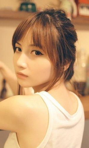 付き合いたいほど可愛い女性 (2)