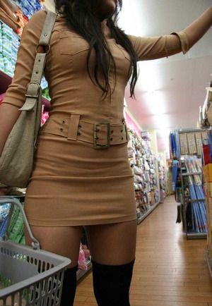 服を着てても分かる巨乳 (2)