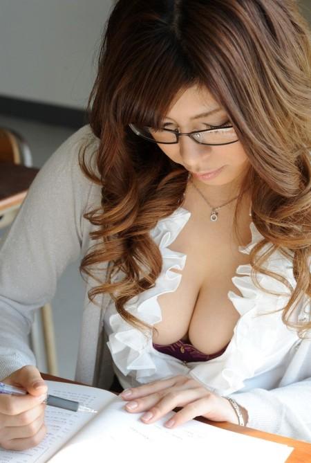 セクシーすぎる女教師 (3)