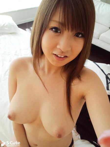 ロリで巨乳な、北川瞳 (20)