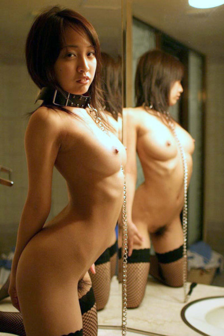 鏡越しのヌード (18)