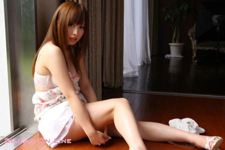 アイドルっぽい巨乳AV女優、成瀬心美 (18)