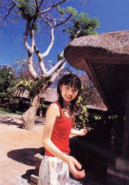 童顔でスレンダーな、小倉優子 (13)