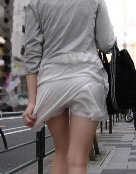 街で透けパンしてる素人さん (20)