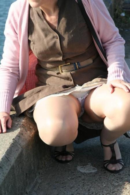 街で見かけたパンチラ女性 (7)