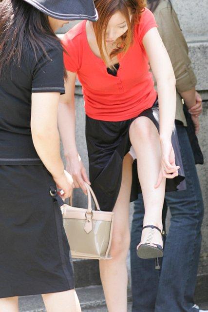 街で見かけたパンチラ女性 (11)