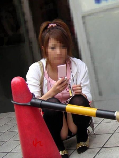 街で見かけたパンチラ女性 (15)