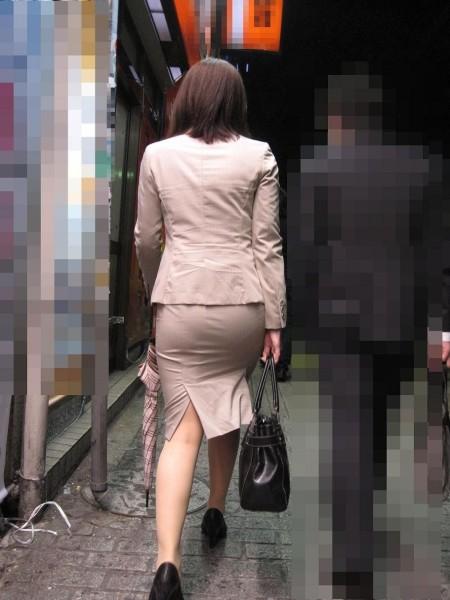 透けパンしてる素人の女性 (8)