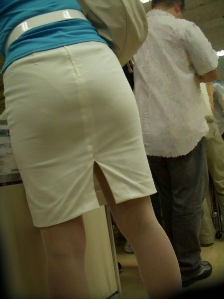 透けパンしてる素人の女性 (9)