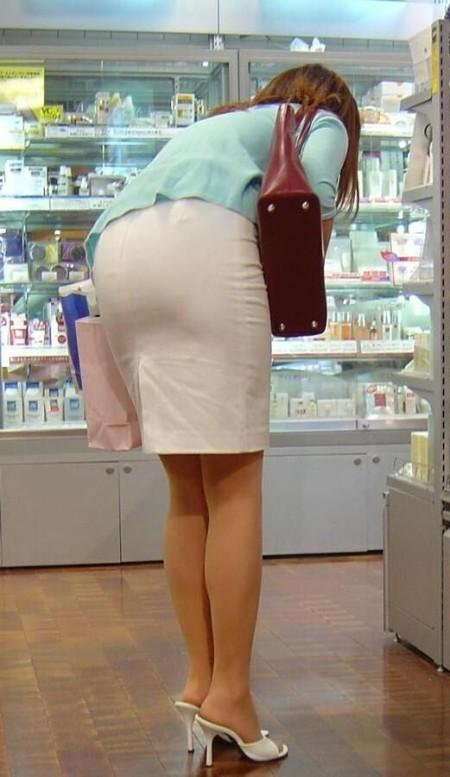 透けパンしてる素人の女性 (18)