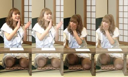 アイドルたちが胸チラ・パンチラ (20)