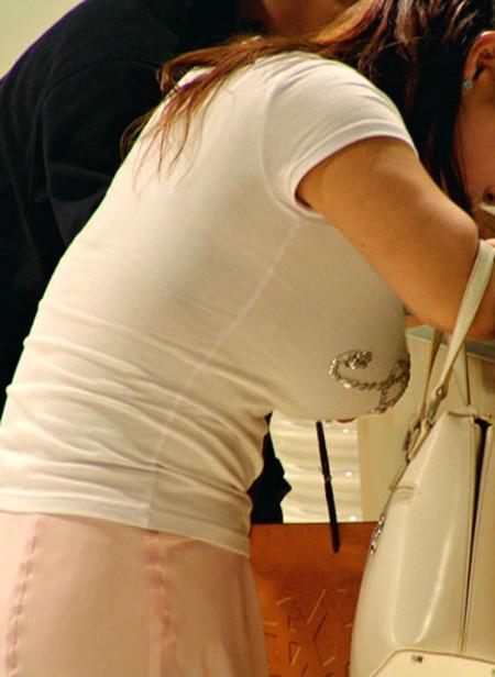 かなりデカい着衣巨乳の素人女性 (6)