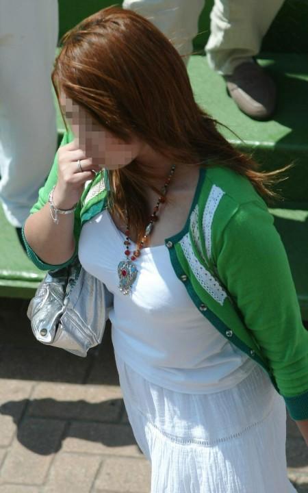 かなりデカい着衣巨乳の素人女性 (10)