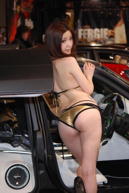 衣装がセクシーなキャンギャル (11)